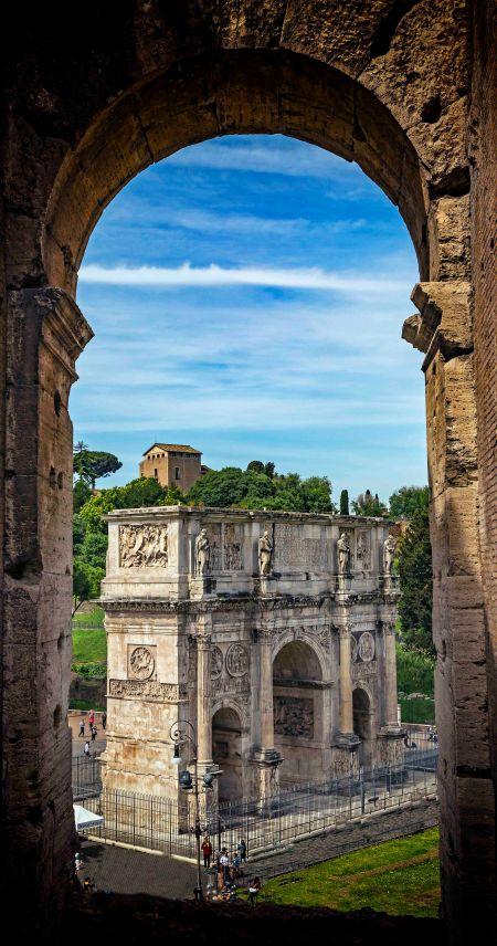 _E7A7652 Arch of Constantine Vignette Lens web ready