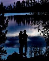 _E7A2253 Young love at the lake at sunset web ready